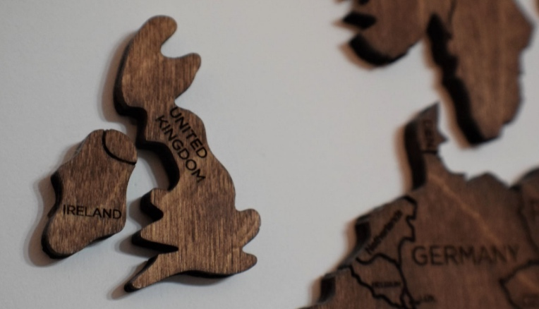 Regno Unito: prorogata al 2023 l'introduzione del marchio di conformità Ukca